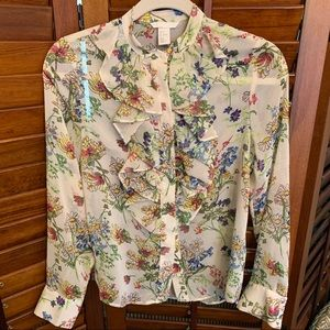 H&M button down floral blouse w/ ruffle front EUC